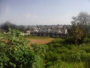 Batiment délabré au quartier ahougnassou de Bouaké, crédit photo : Christ Koffi