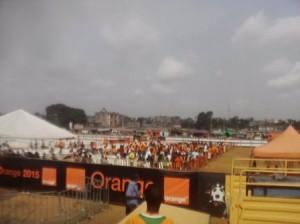 Les supporteurs des Eléphants attendent le coup d'envoi du match Côte d'Ivoire - RDC Crédit photo : Christ Koffi